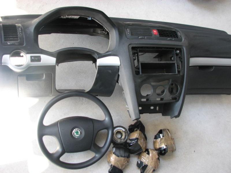 airbagspecialist voorraad skoda octavia complete. Black Bedroom Furniture Sets. Home Design Ideas
