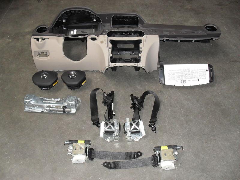 Airbagspecialist voorraad mercedes benz c klasse for Mercedes benz airbags